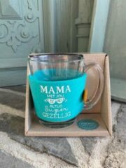 Blauwe Creaties van hier Theeglas / met tekst Mama met jou is het altijd supergezellig / cadeau / verjaardag / kerstmis / vaderdag / moederdag / vriendschap