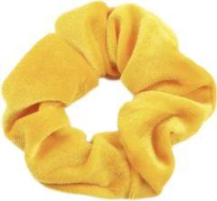 Kraagjeskopen.nl Scrunchie Velvet - extra Vol en Luxe geel velvet haarwokkel haarelastiek - 1 stuk - scrunchies