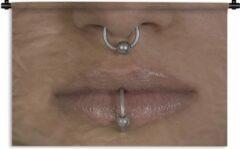 1001Tapestries Wandkleed Piercing - Neus en mondpiercing van een vrouw Wandkleed katoen 150x100 cm - Wandtapijt met foto