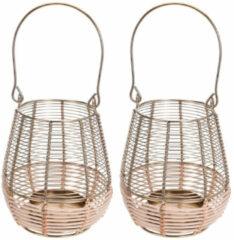 Goudkleurige Merkloos / Sans marque 2x Metalen/rieten lantaarns kaarsenhouders goud 14 x 18 cm - Gouden windlicht - Woonaccessoires/woondecoraties