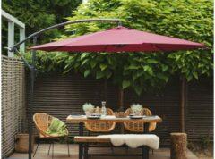 Bordeauxrode Beliani Ravenna - Zweefparasol - Metaal - bordeaux - 300x300x240