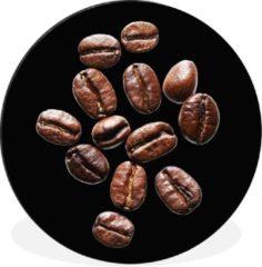 WallCircle Wandcirkel Koffieboon aluminium - Gebrande koffiebonen in een studio licht tegen zwarte achtergrond - ⌀ 30 cm - rond schilderij - fotoprint op aluminium / dibond / muurcirkel / wooncirkel / tuincirkel (wanddecoratie)