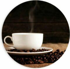 Beige KuijsFotoprint Forex Wandcirkel - Kopje Koffie met Koffiebonen - 90x90cm Foto op Wandcirkel (met ophangsysteem)