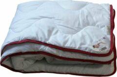 Rode Meisterhome® Mono dekbed - Zomerdekbed - 135 x 200 cm. ''Het echte slapen begint bij Meisterhome®''