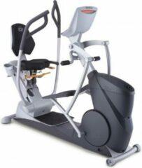Grijze Octane Fitness Octane XR6XI Seated Elliptical Smart Console