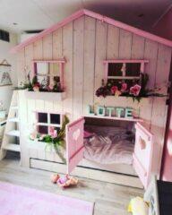 Droommeubel Concurrent Boomhutbed Roos | Steigerhout | Kinderbed | Bedhuisje | WhiteWash Met Roze
