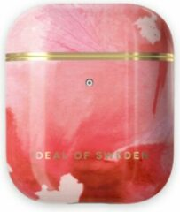 Koraalrode IDeal of Sweden AirPods Case Print voor 1st & 2nd Generation Coral Blush Marble