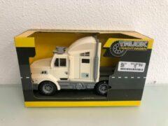 Bruine ''merkloos'' Speelgoed truck