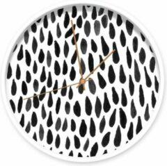 Dutch Sprinkles Zwarte Druppels klok met witte rand en koperen wijzers