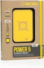 Gele WakaWaka Power 5 Powerbank - 5000 mAh - 3 USB aansluitingen - Fast charging USB 2.1A - Inclusief Solar panel charging port - Oplaadbaar met WakaWaka solar panel