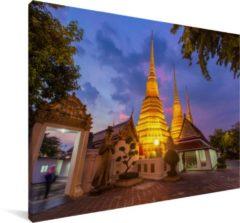 MuchoWow De Wat Pho tempel fantastisch verlicht in de avond Canvas 90x60 cm - klein - Foto print op Canvas schilderij (Wanddecoratie woonkamer / slaapkamer)