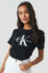 Zwarte T-shirt Korte Mouw Calvin Klein Jeans CORE MONOGRAM LOGO REG FIT
