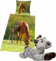 Groene Herding Dekbedovertrek Merrie met Veulen , 1persoons dekbed , 135x200, incl. zachte paarden knuffel - 32 cm - donkerbruin