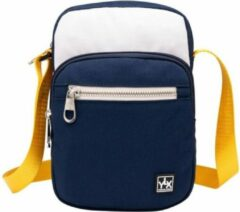 Blauwe YLX travel gear YLX Adonis Crossbody. Off white & navy blue. Recycled Rpet materiaal. Eco-friendly