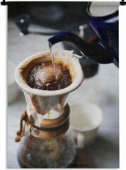 1001Tapestries Wandkleed Koffie - Filterkoffie wordt gezet op een ouderwetse wijze Wandkleed katoen 120x180 cm - Wandtapijt met foto XXL / Groot formaat!