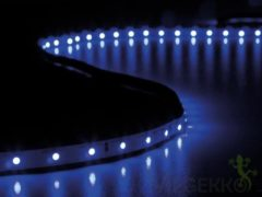 Paarse Velleman Flexibele Led Strip - Ultraviolet - 300 Leds - 5 M - 24 V