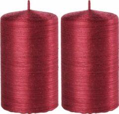 Enlightening Candles 2x Rode cilinderkaarsen/stompkaarsen 6 x 10 cm 25 branduren - Geurloze kaarsen rood - Woondecoraties