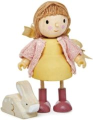Gele Tenderleaftoys Tender Leaf Toys Poppenhuispop Meisje Met Konijn 9x4,3x10 Cm