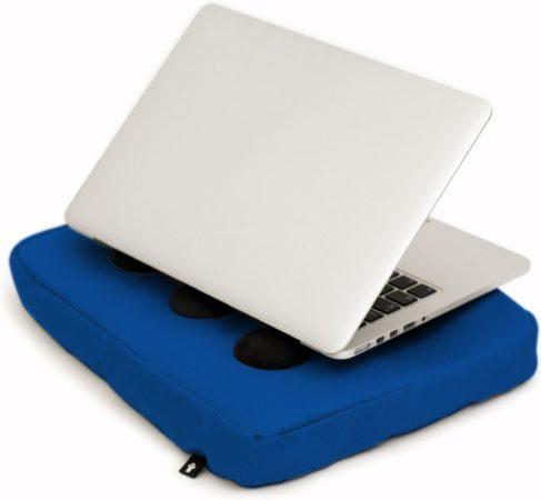 """Afbeelding van Bosign laptopkussen, laptop kussen, laptop schootkussen, laptop standaard, met siliconen doppen voor warme luchtafvoer - max 14"""" - Blauw"""