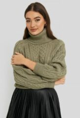 Groene NA-KD High Neck Cable Knitted Sweater - Green
