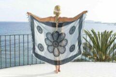 Grijze Merkloos / Sans marque Pareo Flower White Antracite Grey - 160x110cm - Pareo Beach - Zomer Pareo - Dames - Sarong - Omslagdoek - Wikkeljurk - Strand - Stranddoek