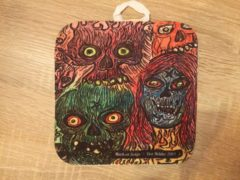 Mark Aggenbach & Solijn Doodskoppen pannenlap - Skull pannenlap Neon rood en neon geel