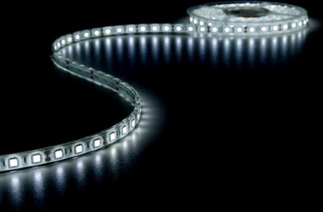 Afbeelding van Velleman Flexibele Led Strip - Koud Wit 6500K - 300 Leds - 5M - 12V