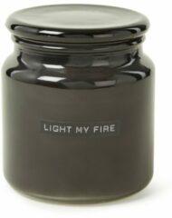 Wellmark Geurkaars zwart glas Fresh Linnen tekst LIGHT MY FIRE 8719325913873