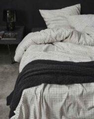 Zwarte Essenza hoogwaardig beddengoed | ontwerp Son | warm flanel-katoen 135x200