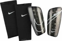 Zwarte Nike Scheenbeschermers mercurial lite black