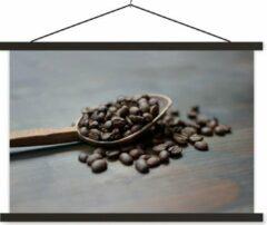 TextilePosters Koffiebonen in een houten pollepel schoolplaat platte latten zwart 90x60 cm - Foto print op textielposter (wanddecoratie woonkamer/slaapkamer)