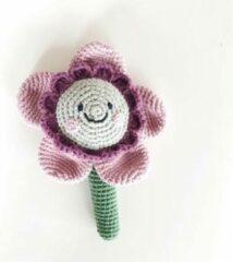 Pebble Organic rammelaar - friendly flower - dusky pink