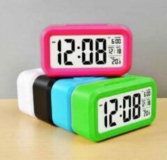 Wood, Tools & Deco Moderne alarmklok/wekker in vrolijke kleur: zwart