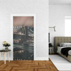 Grijze Wallstation Deursticker New York 4 - 100 x 250 cm - Gratis installatie-kit - Snelle levering