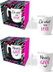 Witte Ingifts Mokkenset Do what you love/Never give up!