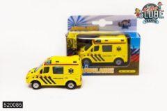 Gele Kids Globe Ambulance met pull-back - Speelgoedvoertuig: 8 cm