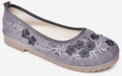 Rosegal Floral Embroidered Loafers Flats