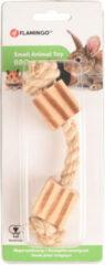 Flamingo Knaagdierspeelgoed Bbq Hout Met Touw En Kubus - Speelgoed - 16x3x3 cm Naturel Bruin