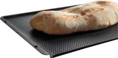 AEG A9OZBT10 Bakplaat voor brood (46,6 x 38,5cm, geperforeerd met anti-aanbaklaag). Ook ideaal voor de stoomoven.