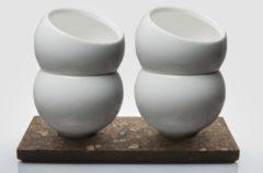 Creme witte 4 Porseleinen latte Kopjes + 2 Kurken Schotels. Dutch Design Maarten Baptist