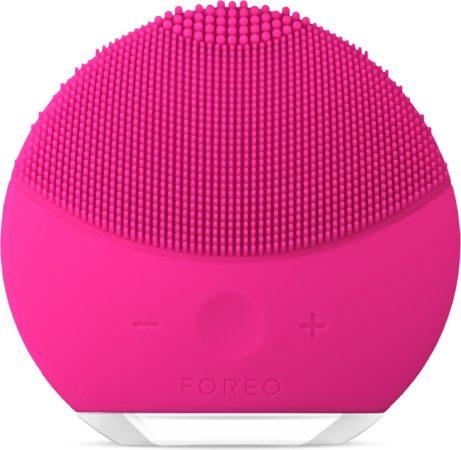 Afbeelding van Roze Foreo gezichtsreinigingsborstel LUNA™ mini 2 fuchsia, frisse & personaliseerbare reiniging
