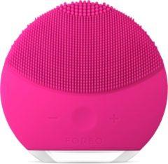 Roze Foreo gezichtsreinigingsborstel LUNA™ mini 2 fuchsia, frisse & personaliseerbare reiniging