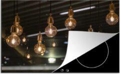 KitchenYeah Luxe inductie beschermer Gloeilampen - 78x52 cm - Vintage gloeilampen aan het plafond - afdekplaat voor kookplaat - 3mm dik inductie bescherming