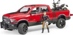 Bruder® speelgoedauto met motor 02502, RAM 2500 Power Wagon met Ducati Desert Sled en bestuurder