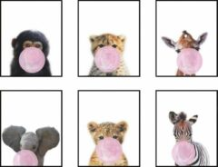 Postercity.nl Postercity - Design Canvas Poster Jungle Set Baby Aapje, Zebra, Giraffe, Olifant, Cheeta en Tijger Roze Kauwgom / Kinderkamer / Dieren Poster / Babykamer - Kinderposter / Babyshower Cadeau / Muurdecoratie / 40 x 30cm / A3