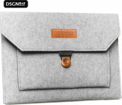 Licht-grijze DSGN Laptop Sleeve met Knoopsluiting 14 inch - Vilt - Grijs - Laptophoes - Laptoptas