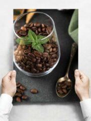 Witte Creatief Art Wandbord: Focus van koffiebonen in een glass - 30 x 42 cm