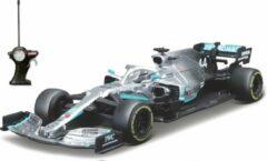 Zilveren Maisto Tech RC Mercedes-Benz AMG Petronas Formule 1 W10 #44 Lewis Hamilton 2019 2.4 Ghz USB Cable Charger 1:24