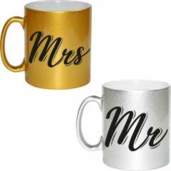 Goudkleurige Bellatio Decorations Zilveren Mr and gouden Mrs cadeau mok / beker - 330 ml - keramiek - bruiloft / huwelijk / jubileum - cadeaumokken voor koppels / bruidspaar