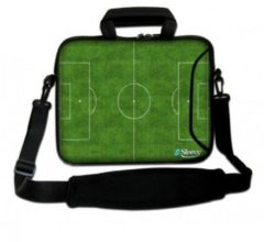 Groene Sleevy 15,6 Laptoptas / laptophoes met voorvak voetbalveld - slanke laptoptas - dunne laptoptas - heren laptoptas - dames laptoptas